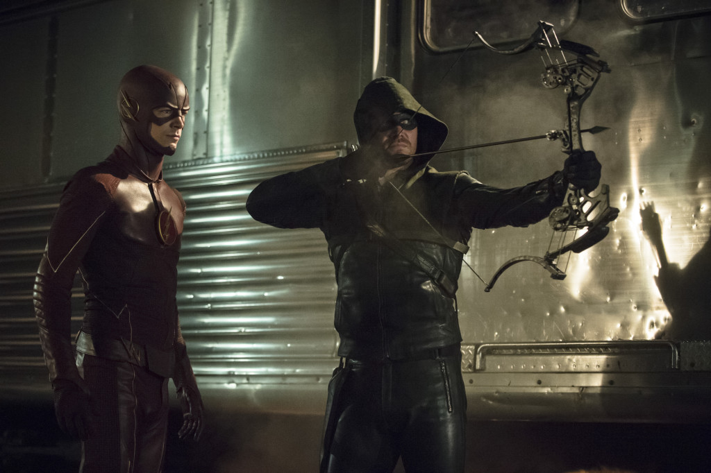 the_flash_grant_gustin_and_green_arrow_stephen_amell_2