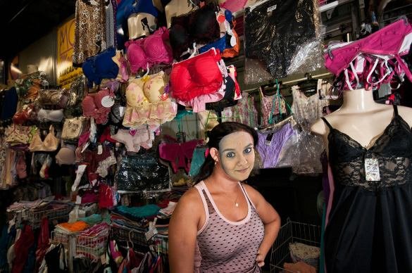 Bracho vendedora de calcinha - Por Jack D. Lima
